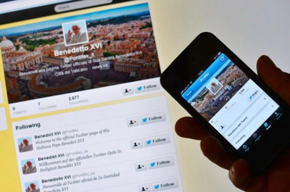 Photo of Il papa benedice i social network: sarà un bene?