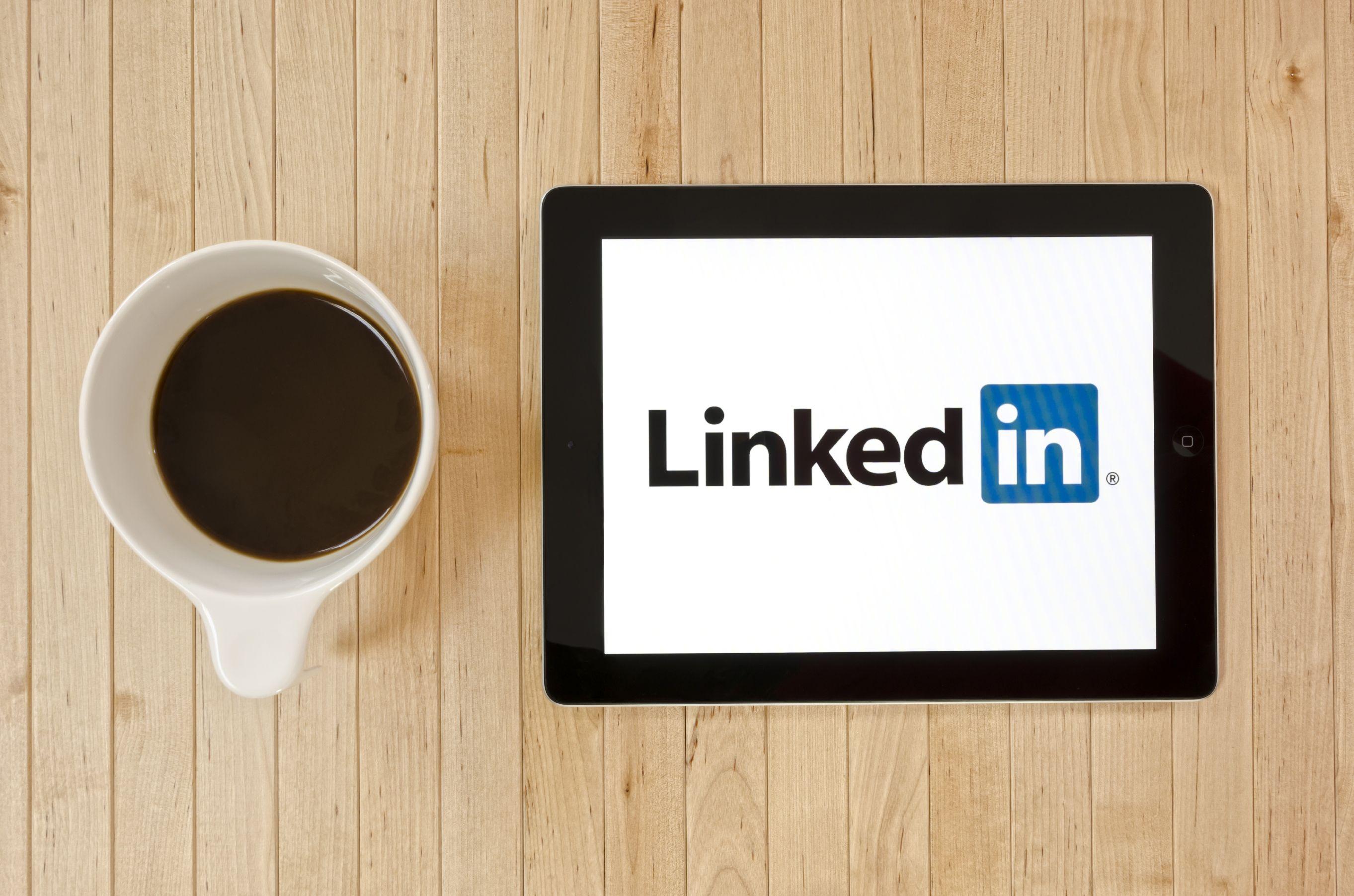 Photo of LinkedIn connette i colleghi di lavoro lanciando due nuovi tools