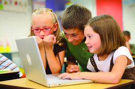 Photo of Social e bambini: cosa fare se vostro figlio trascorre troppo tempo su smartphone e tablet